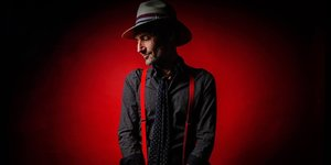 DANNY HOWELLS + ROOZ photo